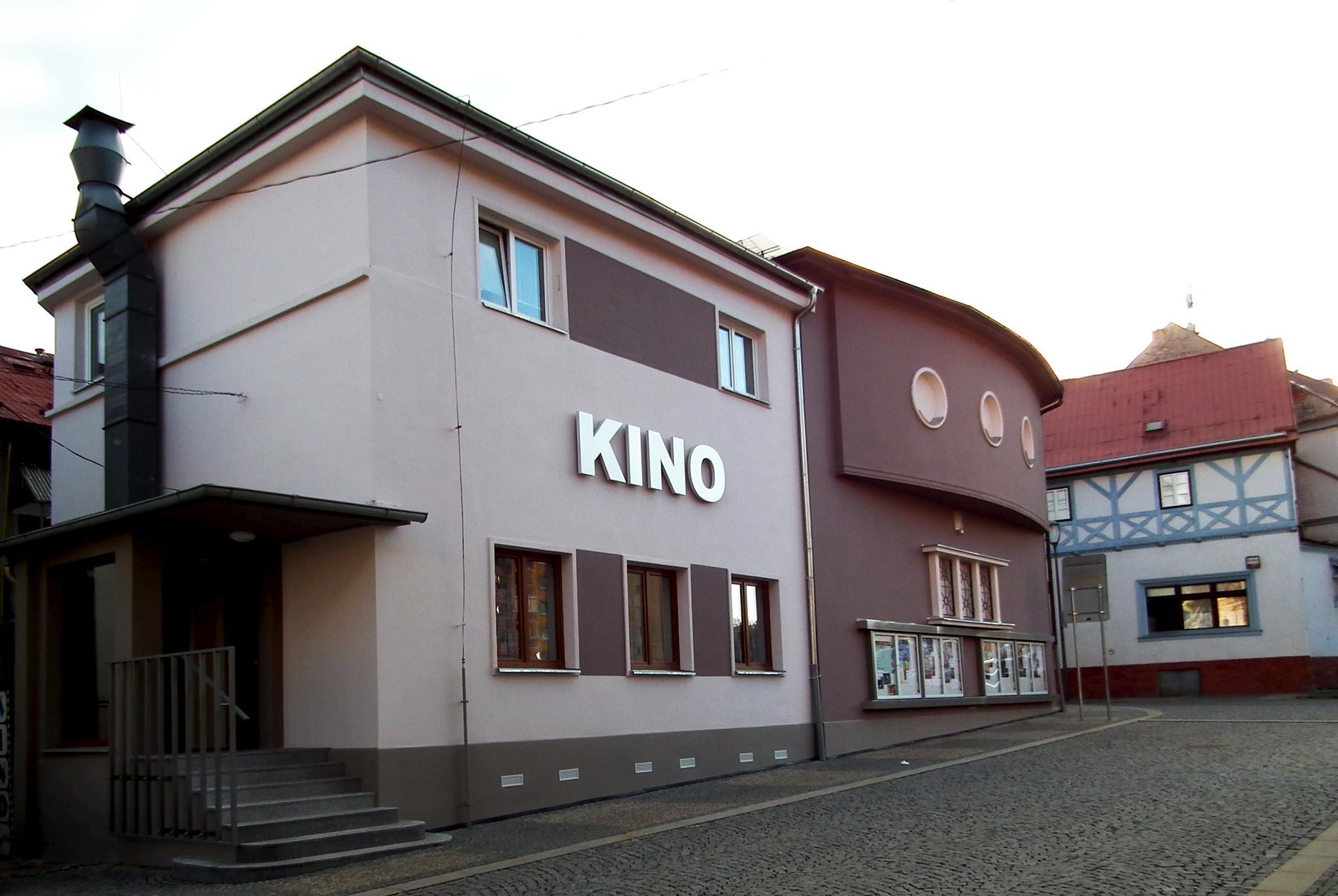 V Jirkově do kina i na koncert