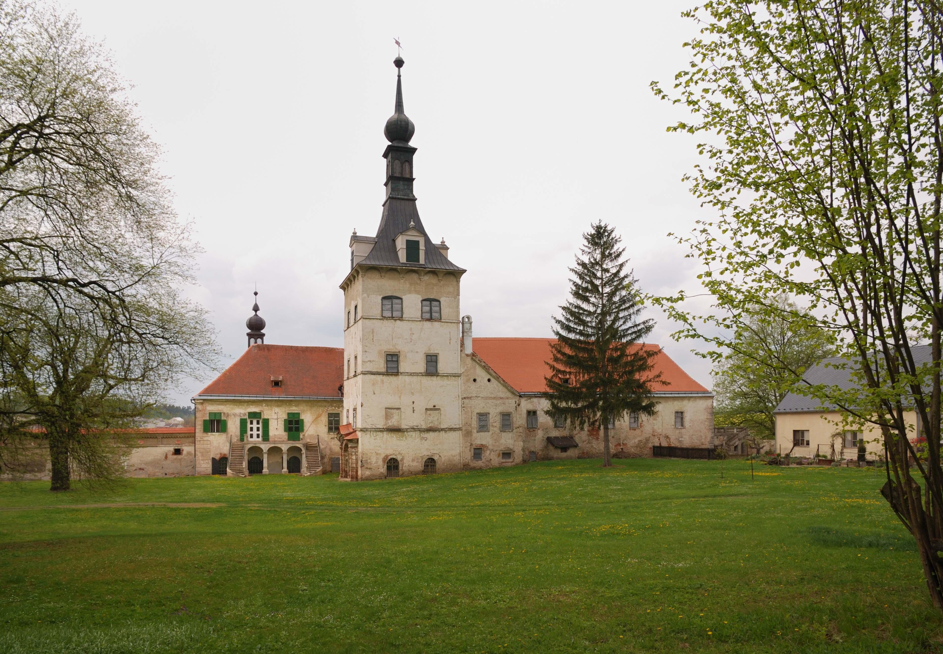 Státní zámek se postupně opravuje