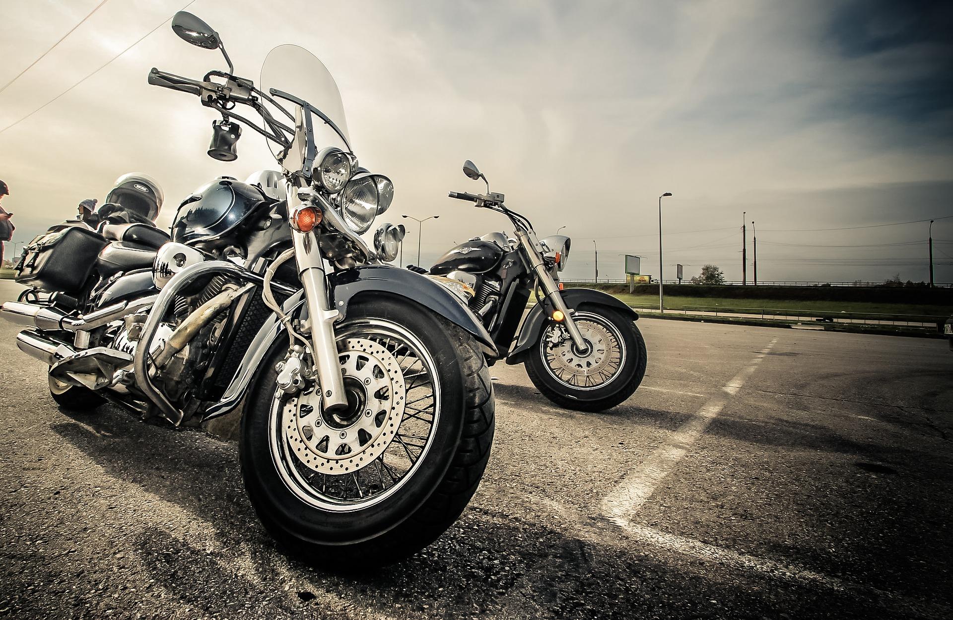 Nezapomeňte motorku před vyjížďkou po delší době zkontrolovat
